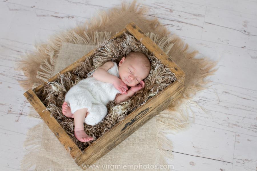 Virginie M. Photos-séance naissance-naissance-nouveau né-bébé-photographe-nord (17)