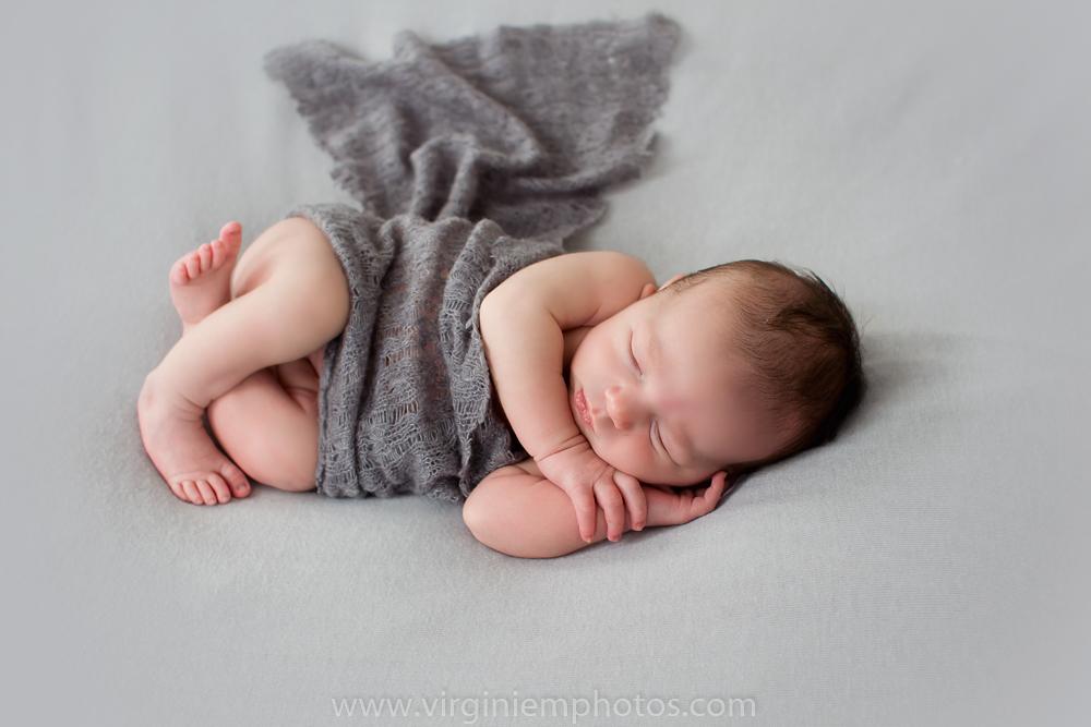 Virginie M. Photos-photographe nord-séance naissance-naissance-bébé-nouveau né-séance photos-photos-studio-parents-Croix-Lille-Nord (13)