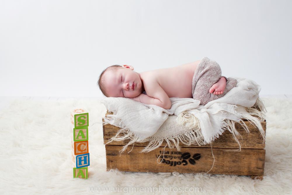 Virginie M. Photos-photographe nord-séance naissance-naissance-bébé-nouveau né-séance photos-photos-studio-parents-Croix-Lille-Nord (3)