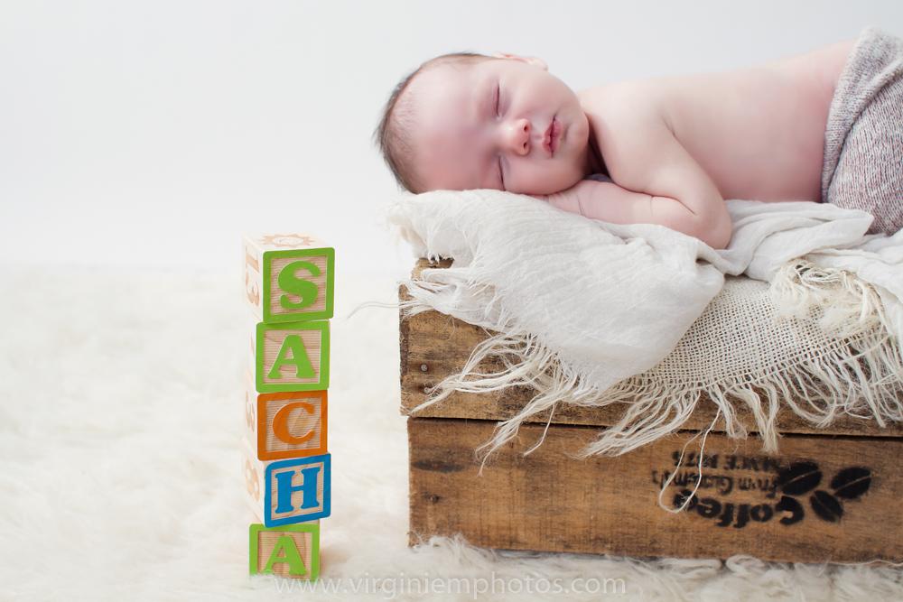 Virginie M. Photos-photographe nord-séance naissance-naissance-bébé-nouveau né-séance photos-photos-studio-parents-Croix-Lille-Nord (4)