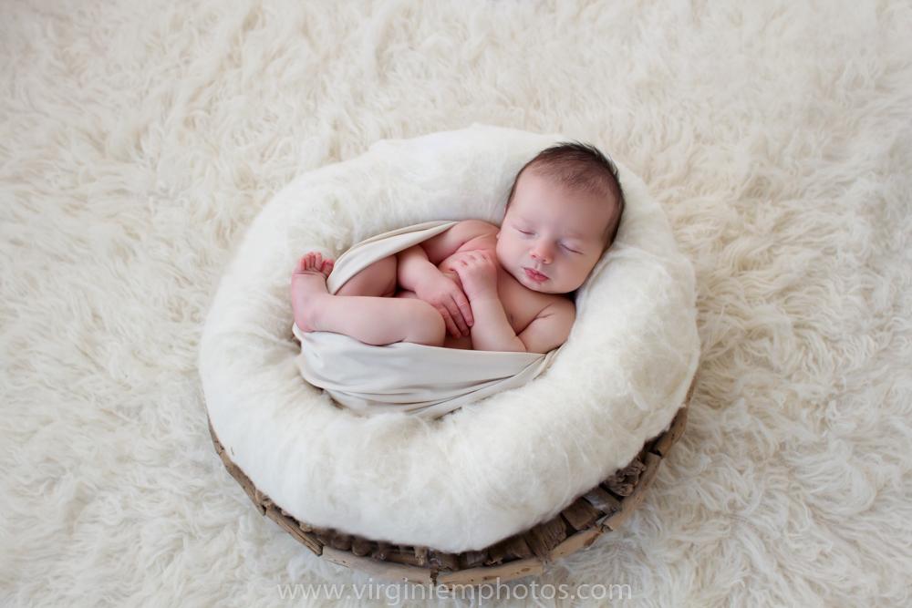 Virginie M. Photos-photographe nord-séance naissance-naissance-bébé-nouveau né-séance photos-photos-studio-parents-Croix-Lille-Nord (5)