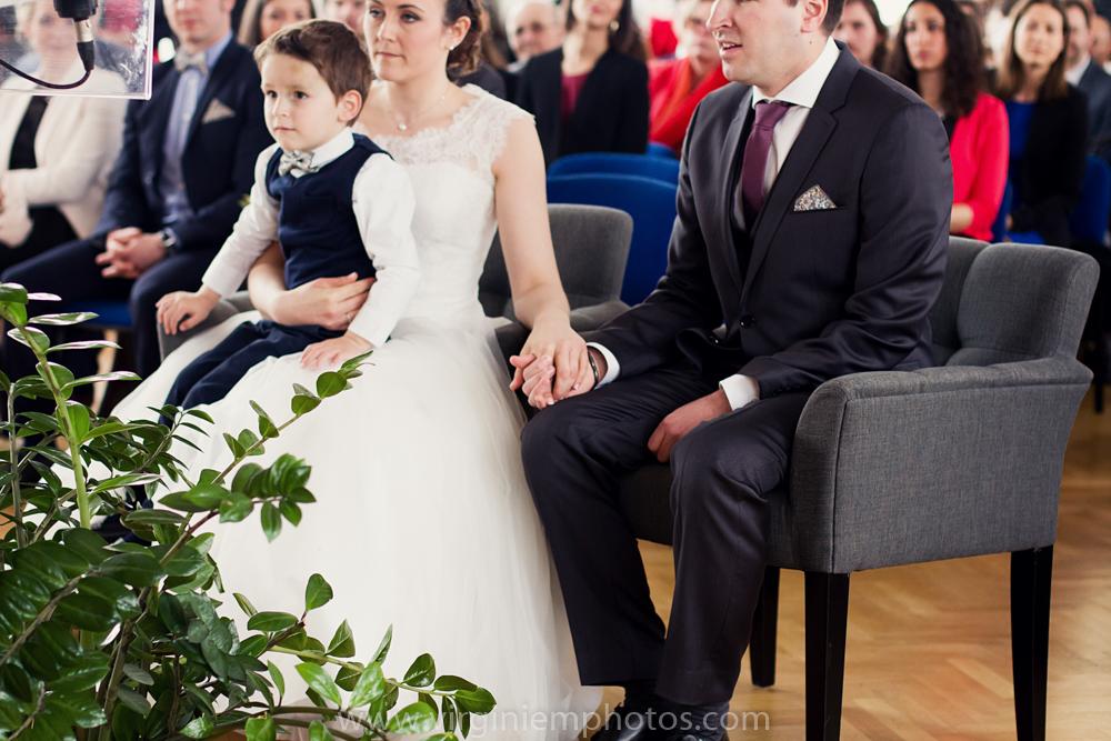 Virginie M. Photos-photographe mariage nord-photographe mariage-photographe nord-mariage-couple-Mairie (11)