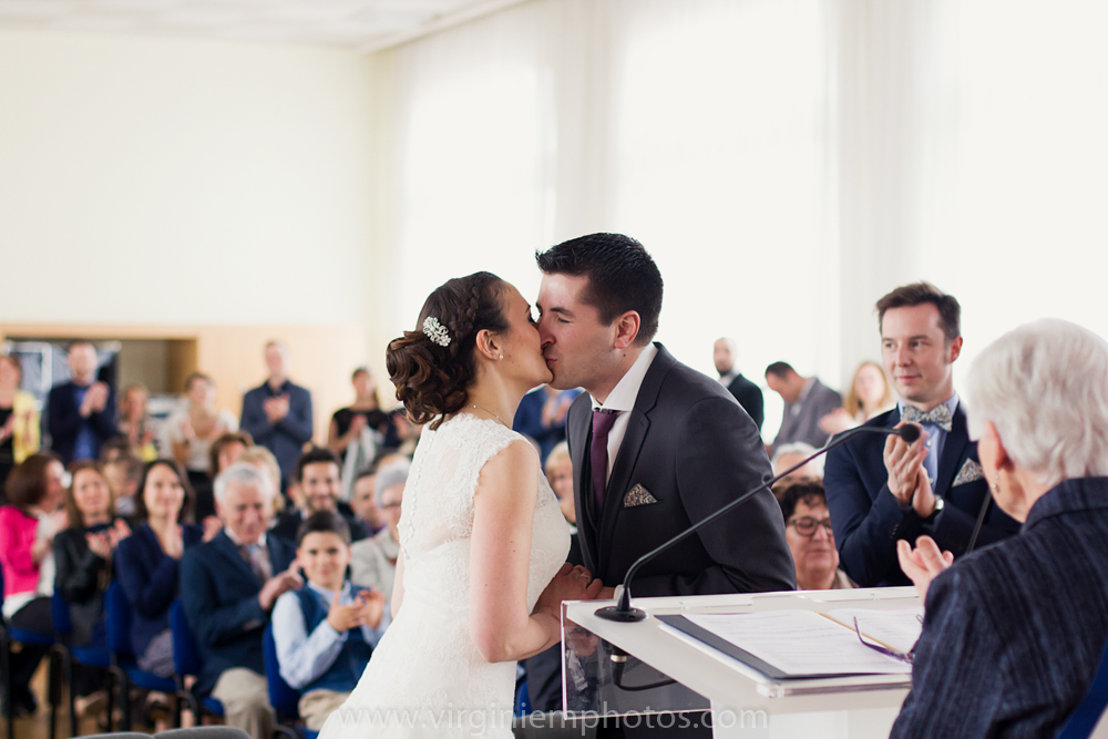 Virginie M. Photos-photographe mariage nord-photographe mariage-photographe nord-mariage-couple-Mairie (18)