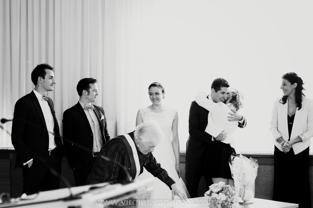 Virginie M. Photos-photographe mariage nord-photographe mariage-photographe nord-mariage-couple-Mairie (20)
