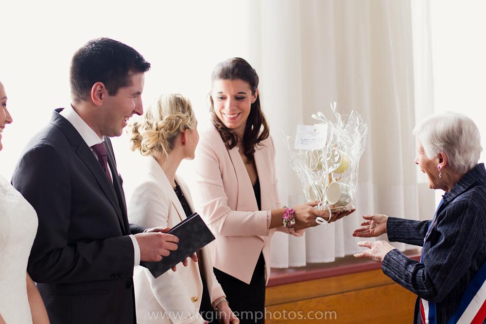 Virginie M. Photos-photographe mariage nord-photographe mariage-photographe nord-mariage-couple-Mairie (22)