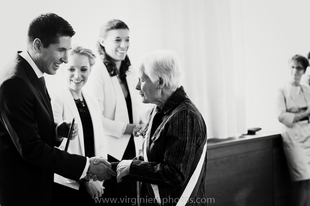 Virginie M. Photos-photographe mariage nord-photographe mariage-photographe nord-mariage-couple-Mairie (23)