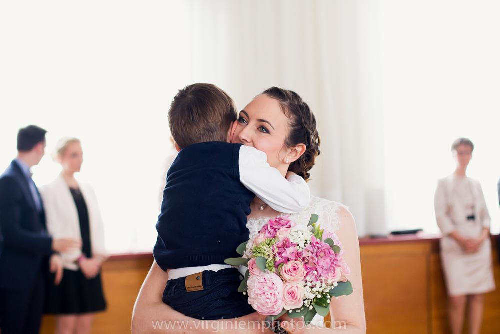 Virginie M. Photos-photographe mariage nord-photographe mariage-photographe nord-mariage-couple-Mairie (25)