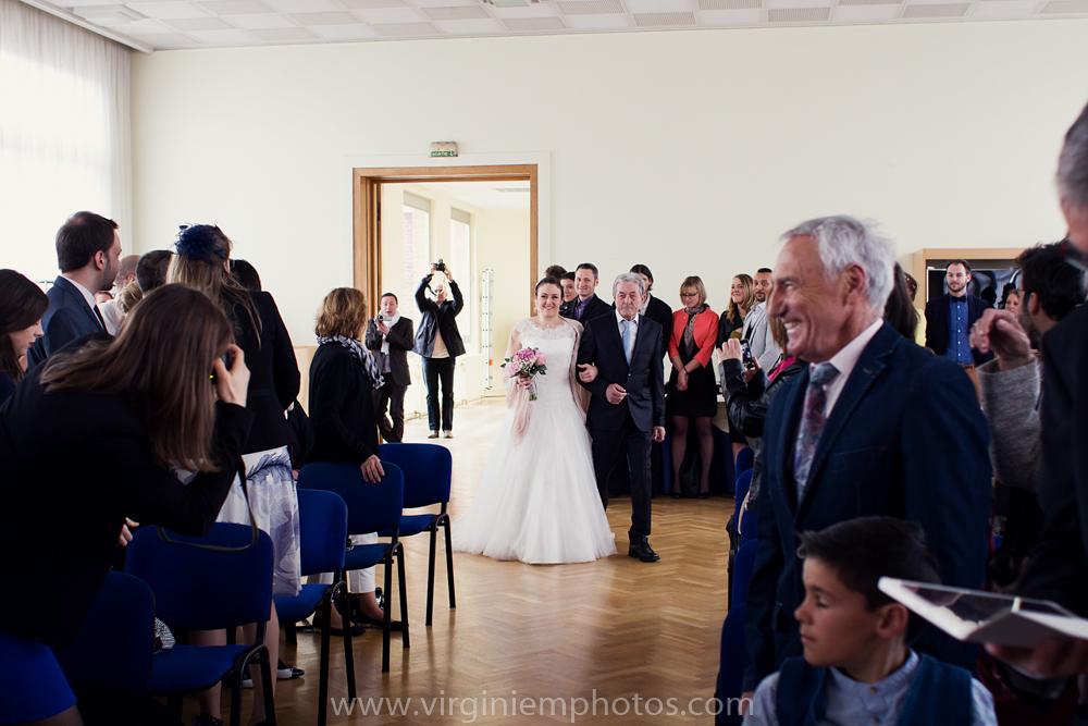 Virginie M. Photos-photographe mariage nord-photographe mariage-photographe nord-mariage-couple-Mairie (6)