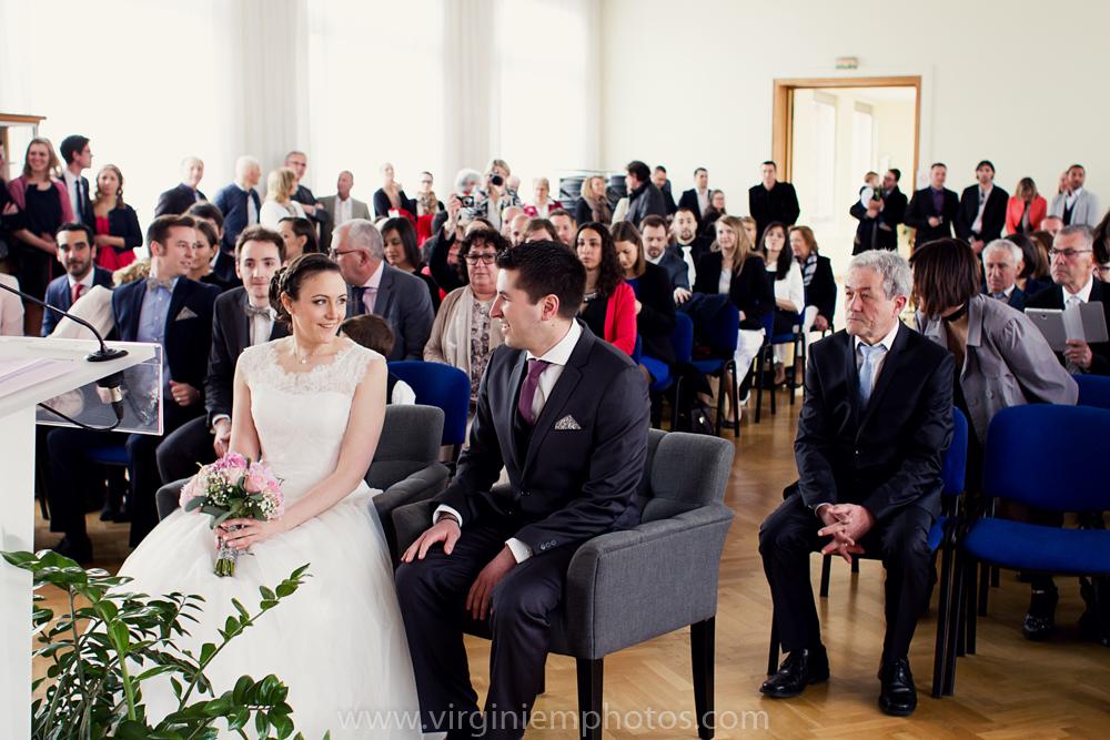 Virginie M. Photos-photographe mariage nord-photographe mariage-photographe nord-mariage-couple-Mairie (7)