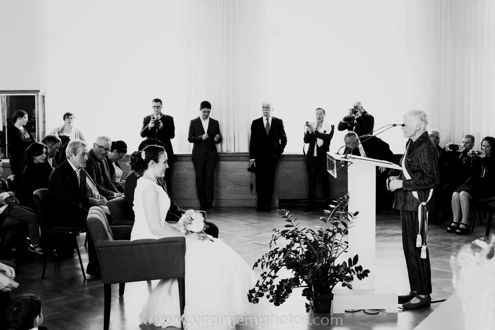 Virginie M. Photos-photographe mariage nord-photographe mariage-photographe nord-mariage-couple-Mairie (9)