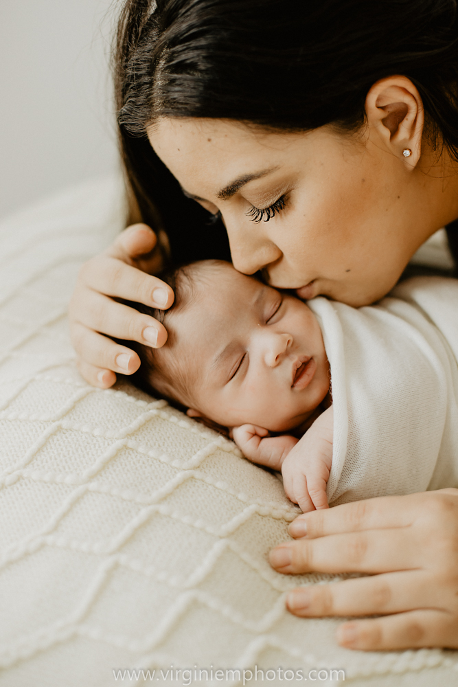 Virginie M. Photos-photographe naissance-photographe bébé-studio photo-Lille-Hauts de France-lumière naturelle-nouveau né-photos bébés-maman (19)