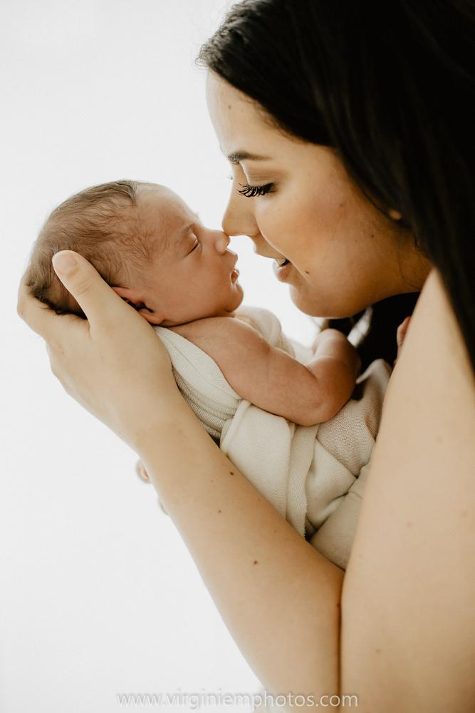 Virginie M. Photos-photographe naissance-photographe bébé-studio photo-Lille-Hauts de France-lumière naturelle-nouveau né-photos bébés-maman (23)
