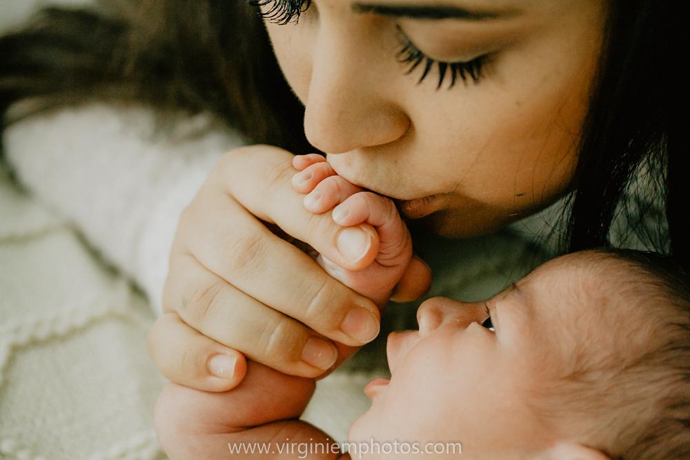 Virginie M. Photos-photographe naissance-photographe bébé-studio photo-Lille-Hauts de France-lumière naturelle-nouveau né-photos bébés-maman (36)