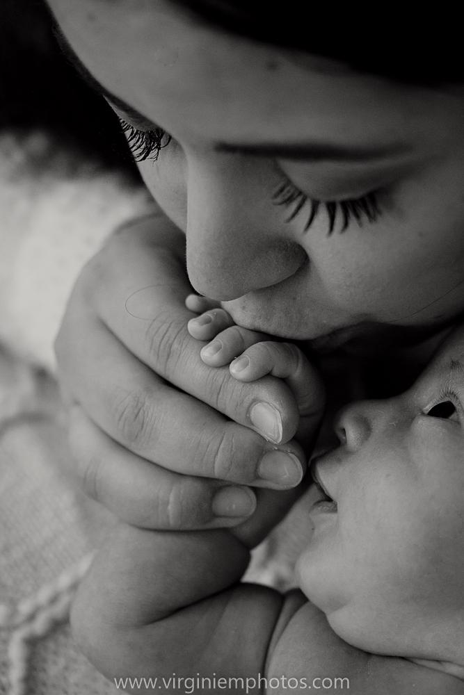 Virginie M. Photos-photographe naissance-photographe bébé-studio photo-Lille-Hauts de France-lumière naturelle-nouveau né-photos bébés-maman (37)