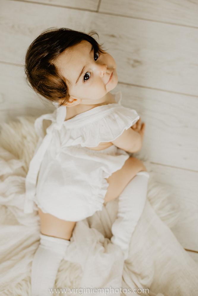 Virginie M. Photos-Photographe bébé Nord-photographe Lille-Lille-enfants-bébé-vintage-rotin-photos-studio-retro (12)