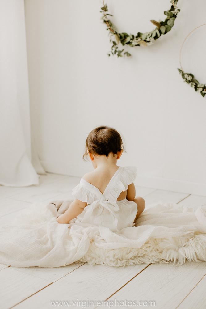 Virginie M. Photos-Photographe bébé Nord-photographe Lille-Lille-enfants-bébé-vintage-rotin-photos-studio-retro (13)