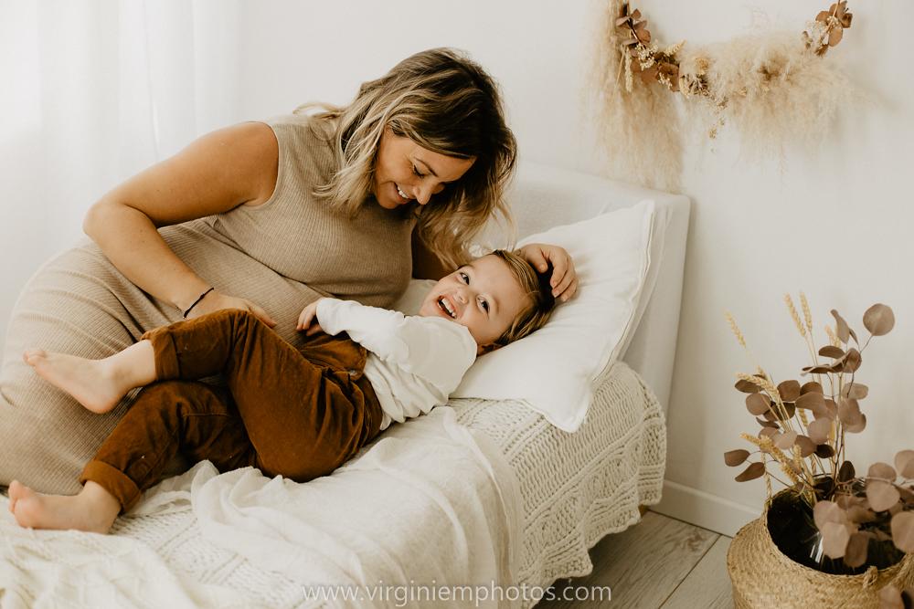 Virginie M. Photos-séance grossesse-jumeaux-maternité-photos-studio-Lille-Hauts de France (19)