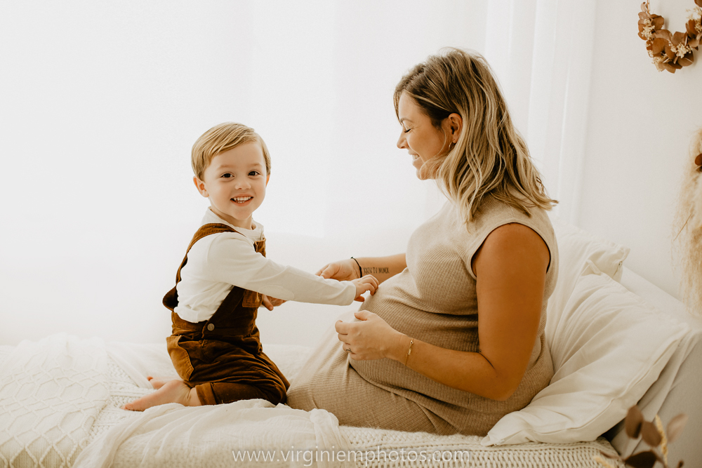 Virginie M. Photos-séance grossesse-jumeaux-maternité-photos-studio-Lille-Hauts de France (4)