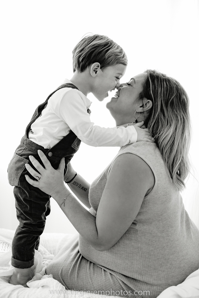 Virginie M. Photos-séance grossesse-jumeaux-maternité-photos-studio-Lille-Hauts de France (7)
