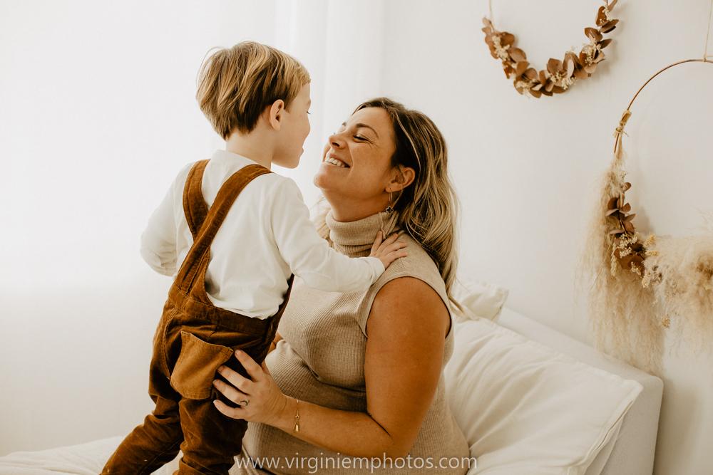 Virginie M. Photos-séance grossesse-jumeaux-maternité-photos-studio-Lille-Hauts de France (8)