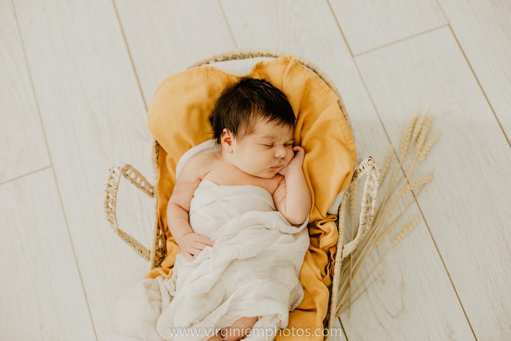 Virginie M. Photos-séance naissance-bébé-nouveau né-famille-photos-studio-photographe Lille-Croix-Nord (14)