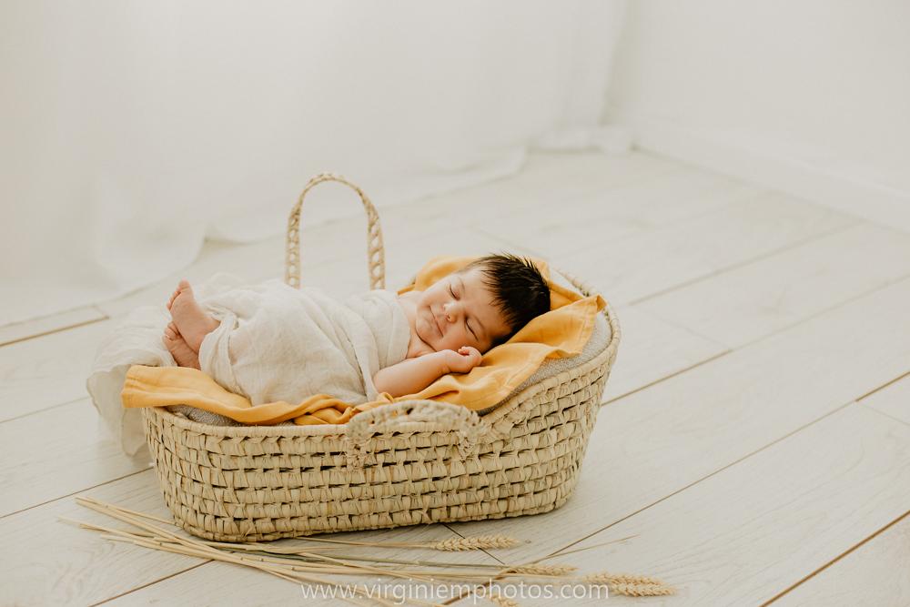 Virginie M. Photos-séance naissance-bébé-nouveau né-famille-photos-studio-photographe Lille-Croix-Nord (15)