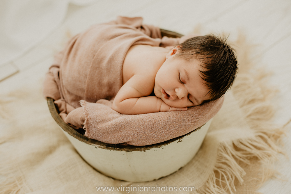 Virginie M. Photos-séance naissance-bébé-nouveau né-famille-photos-studio-photographe Lille-Croix-Nord (17)
