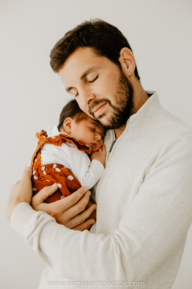 Virginie M. Photos-séance naissance-bébé-nouveau né-famille-photos-studio-photographe Lille-Croix-Nord (18)