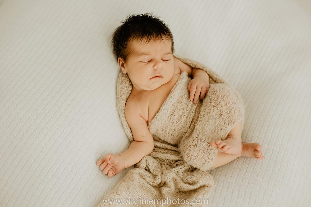 Virginie M. Photos-séance naissance-bébé-nouveau né-famille-photos-studio-photographe Lille-Croix-Nord (5)