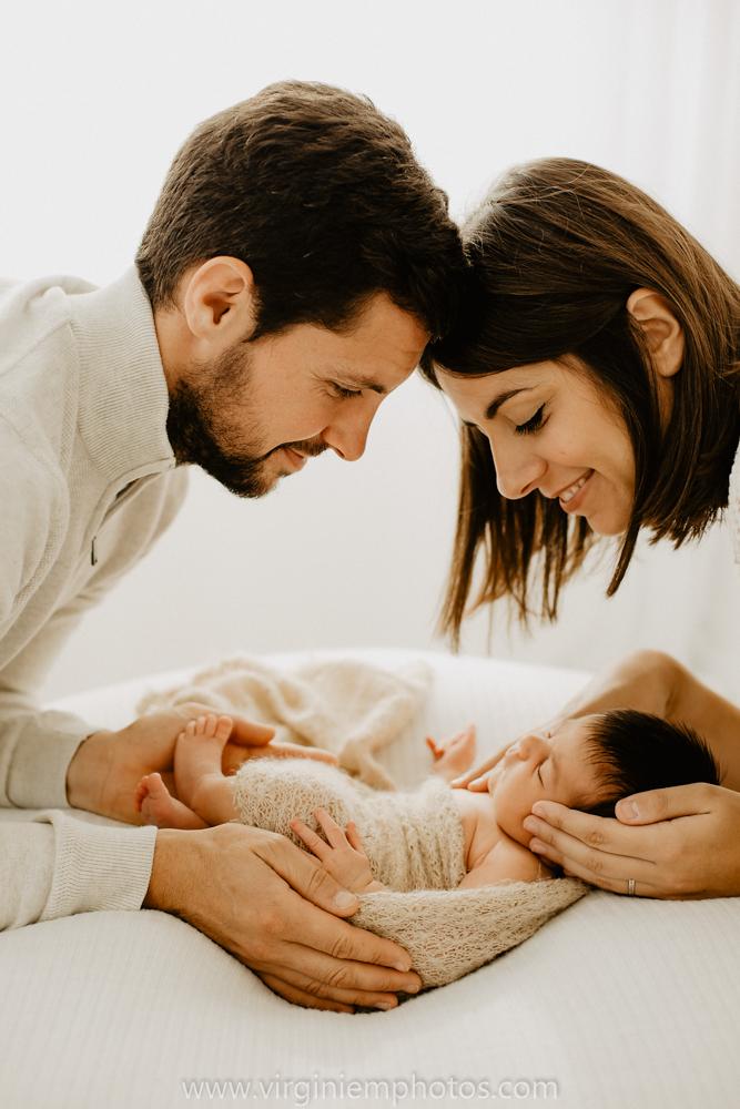 Virginie M. Photos-séance naissance-bébé-nouveau né-famille-photos-studio-photographe Lille-Croix-Nord (8)