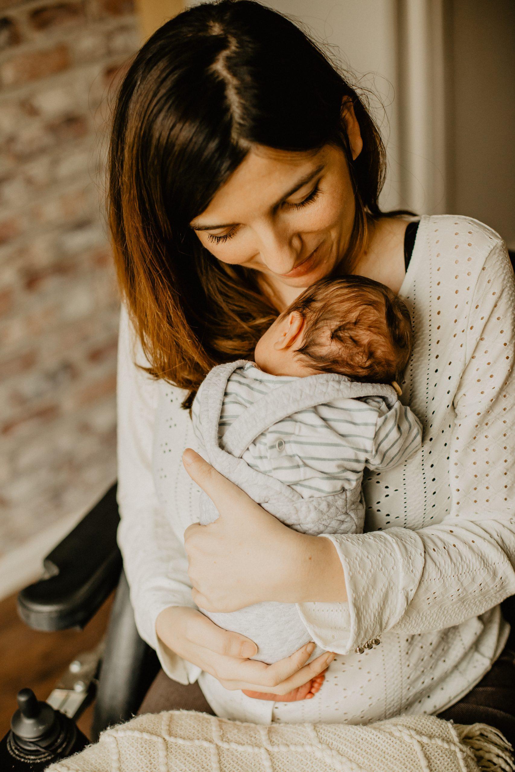 Virginie M. Photos-séance à domicile-bébé-naissance-lifestyle-amour-famille-photographe Lille-Nord-Lille-photos-nouveau né (16)