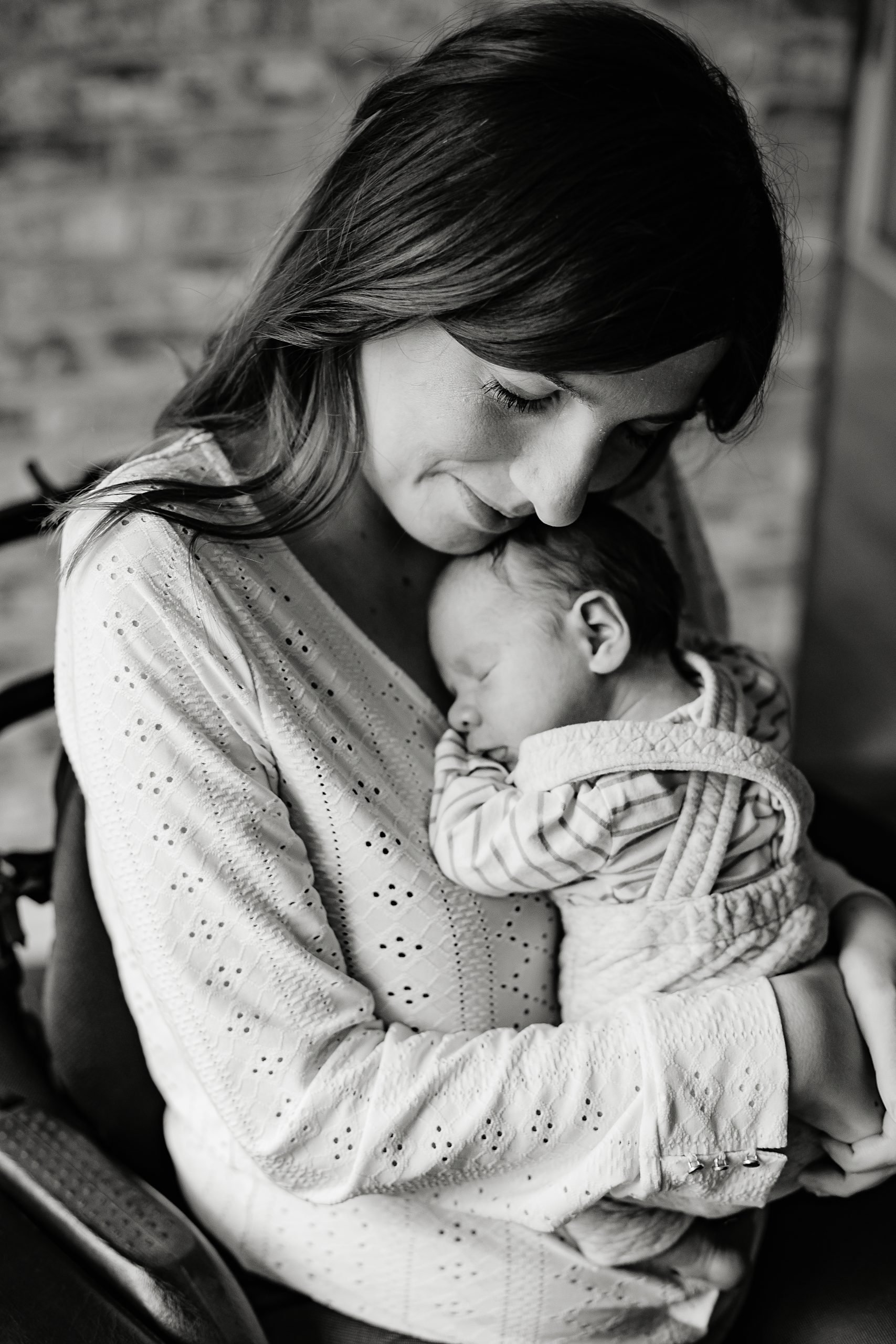 Virginie M. Photos-séance à domicile-bébé-naissance-lifestyle-amour-famille-photographe Lille-Nord-Lille-photos-nouveau né (17)