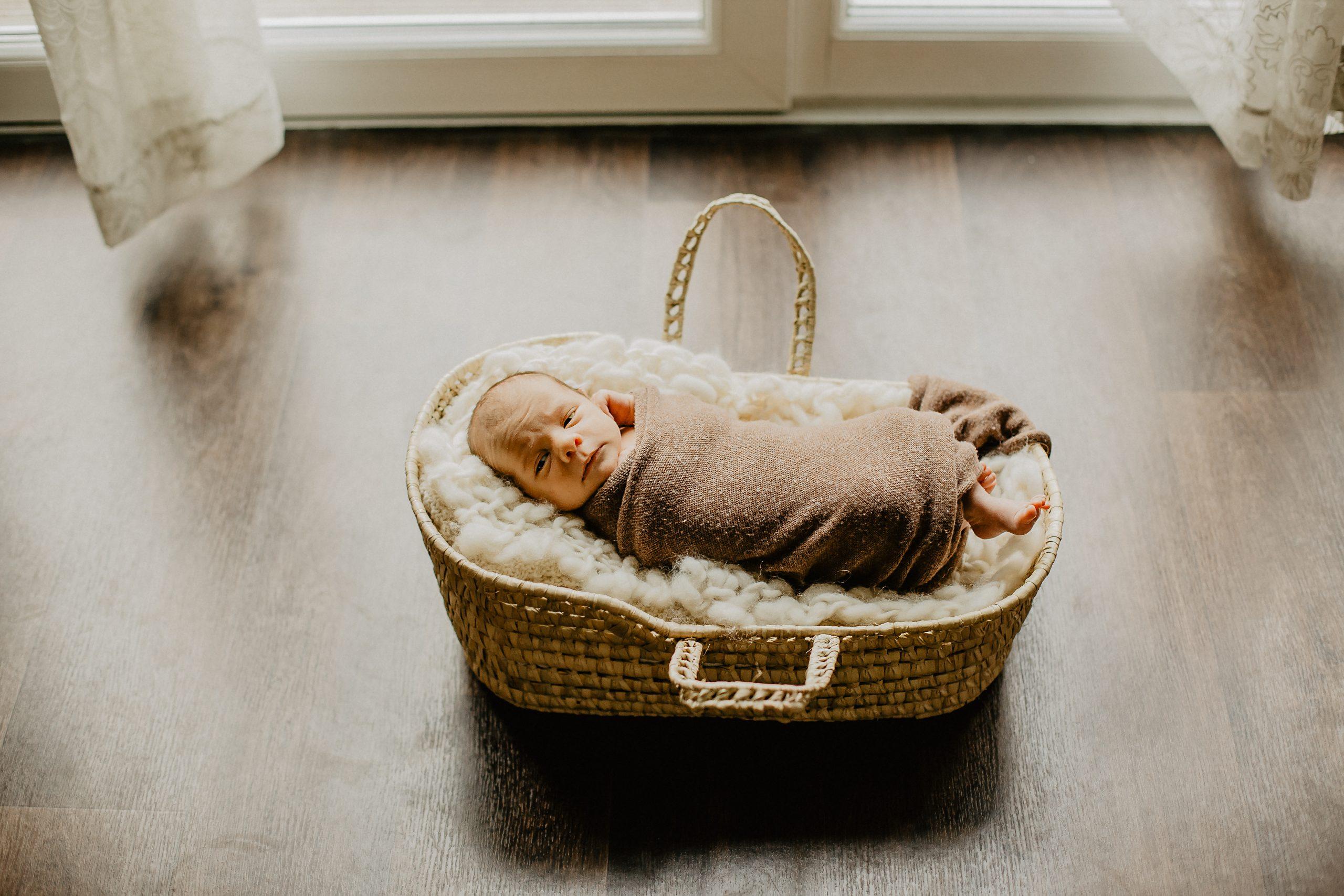 Virginie M. Photos-séance à domicile-bébé-naissance-lifestyle-amour-famille-photographe Lille-Nord-Lille-photos-nouveau né (19)