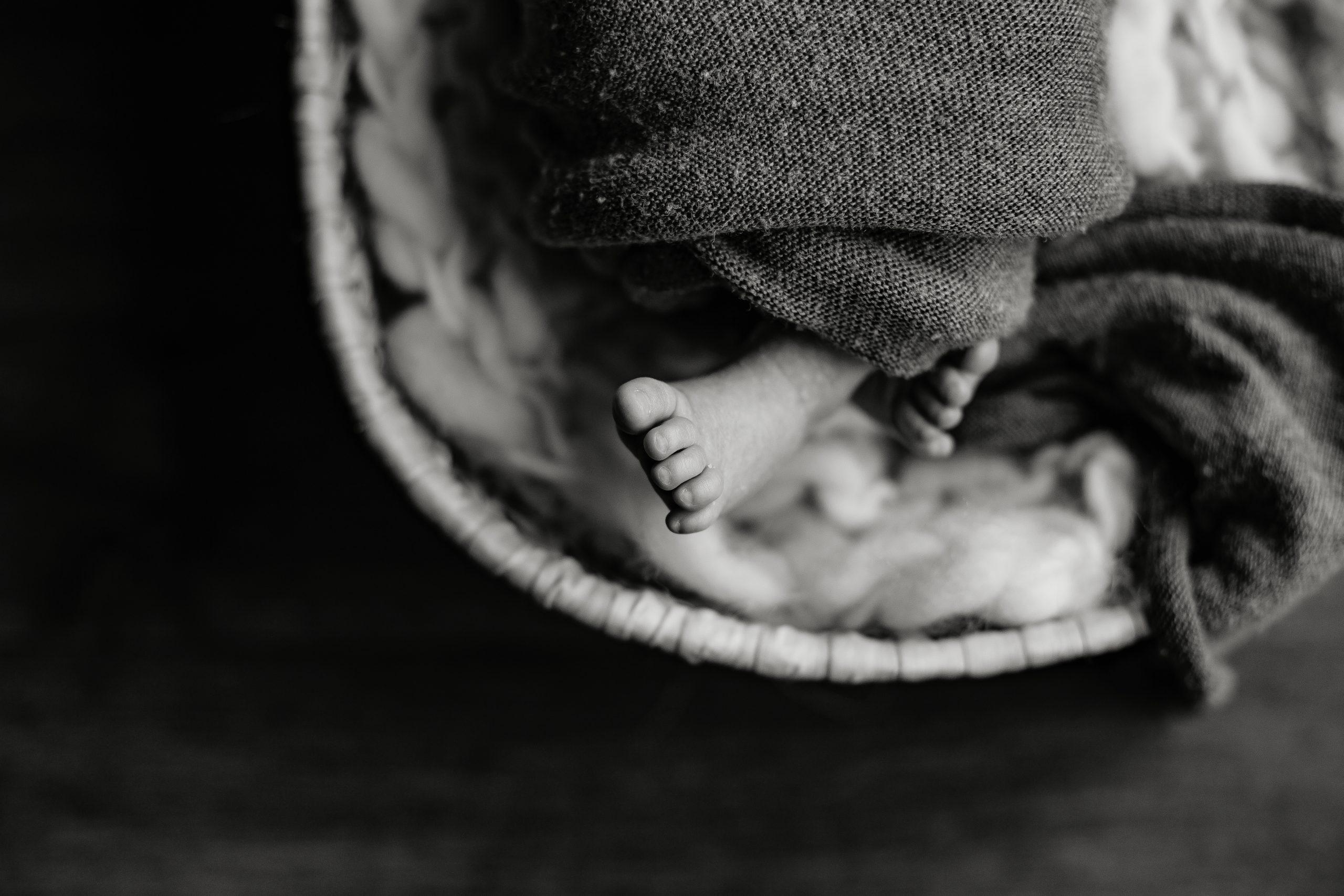 Virginie M. Photos-séance à domicile-bébé-naissance-lifestyle-amour-famille-photographe Lille-Nord-Lille-photos-nouveau né (21)