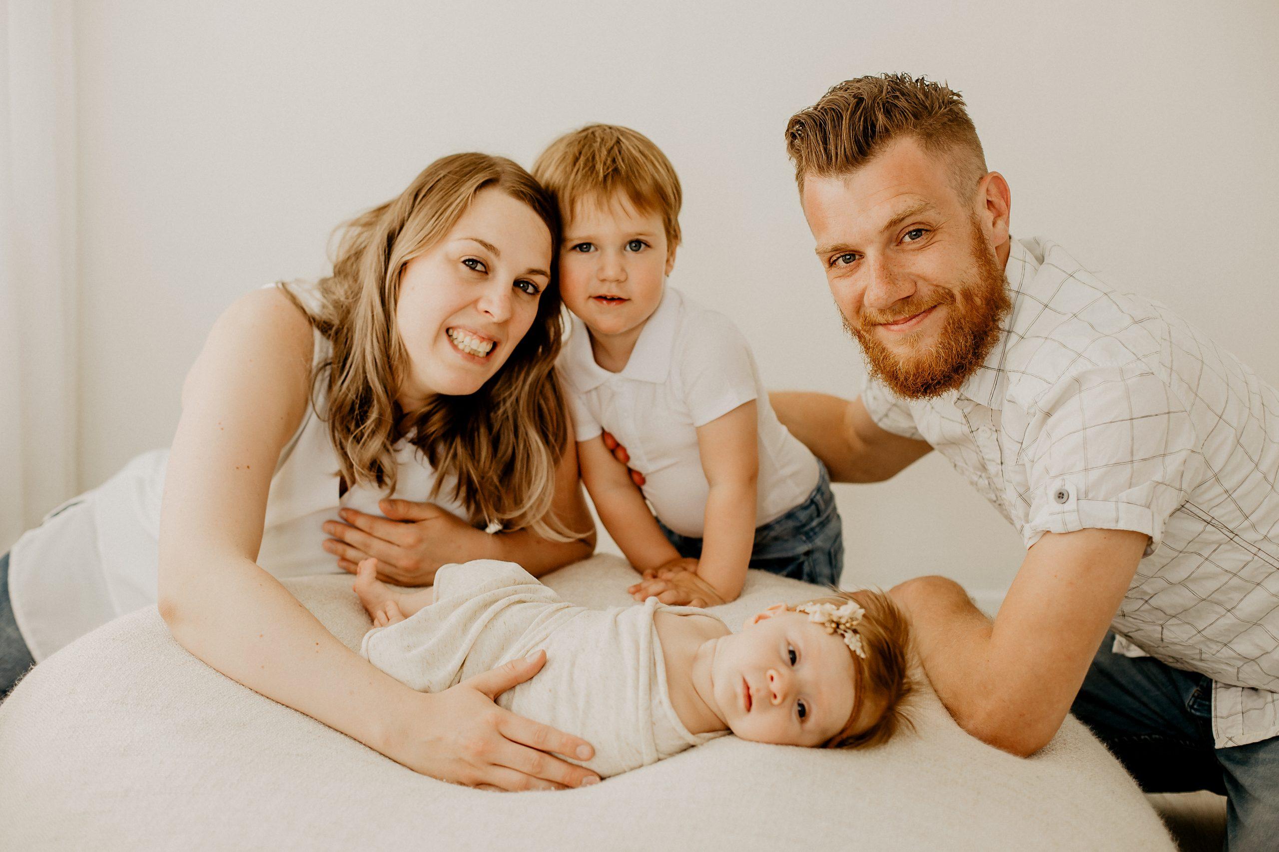 Virginie M. Photos-naissance-photos-studio-famille-portraits-séance famille-enfant-bébé-parents-Lille-Nord-Hauts de France-naturel-Croix-photographe-photographe Lille (13)