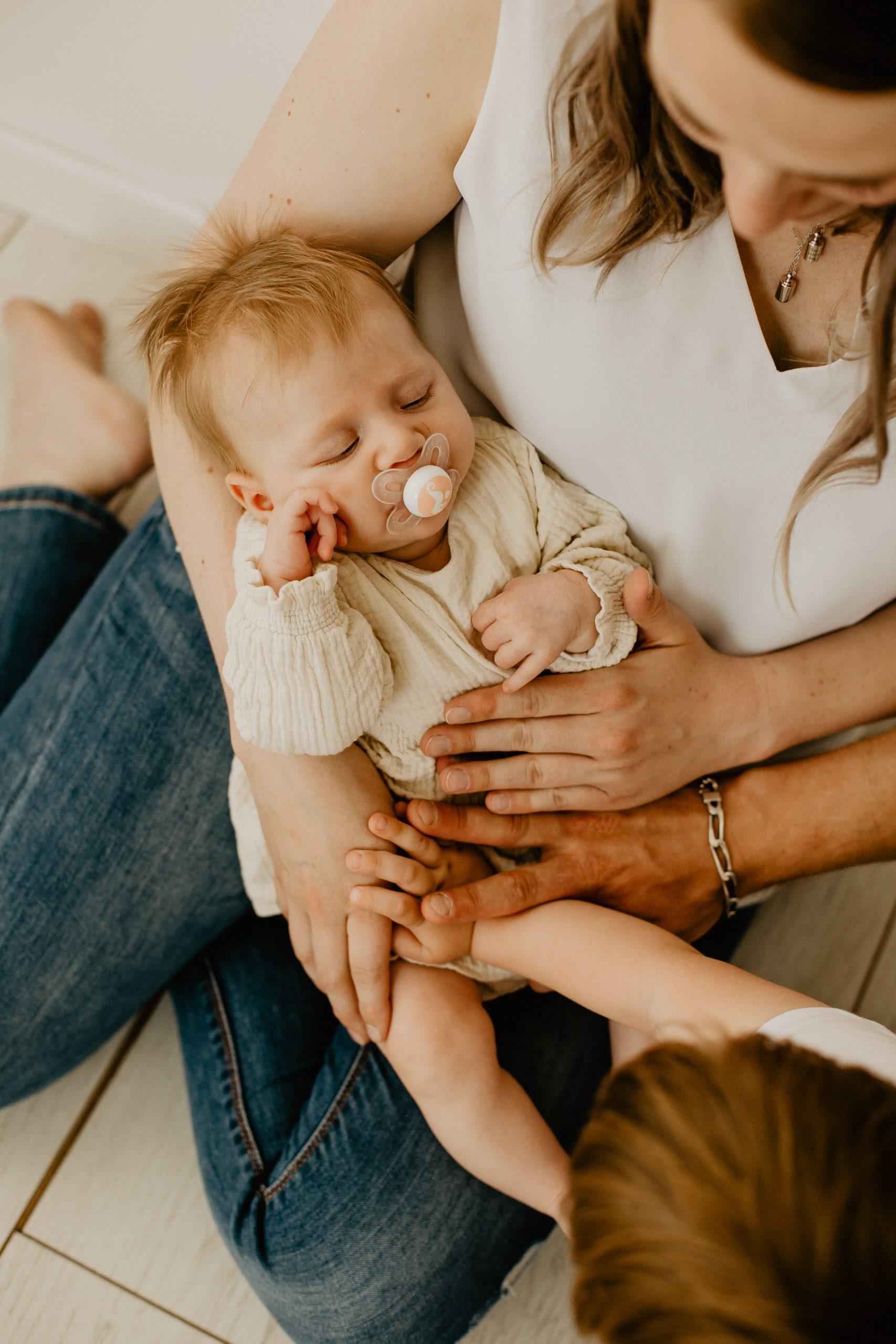 Virginie M. Photos-naissance-photos-studio-famille-portraits-séance famille-enfant-bébé-parents-Lille-Nord-Hauts de France-naturel-Croix-photographe-photographe Lille (20)