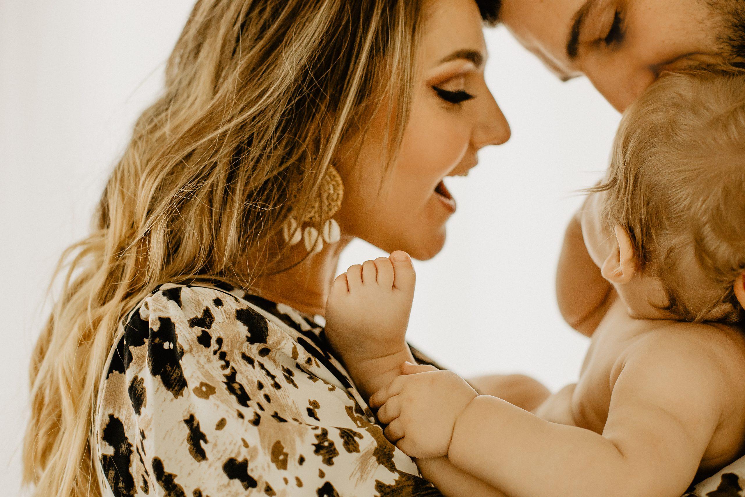Séance photo famille Lille avec bébé en studio